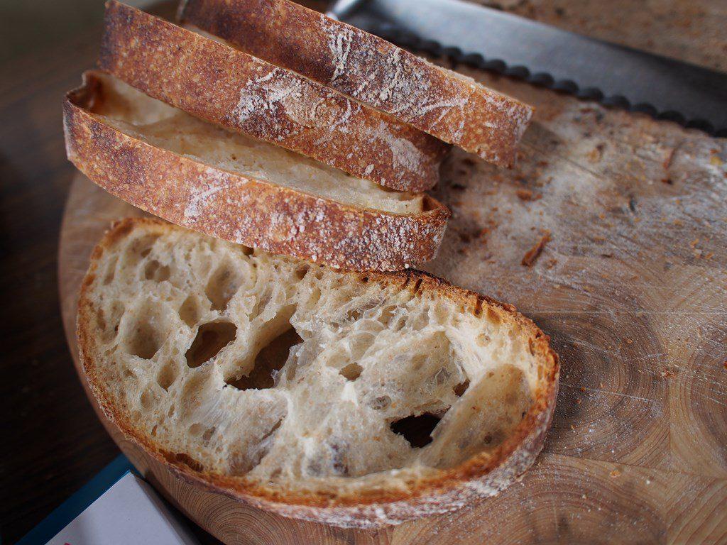 開催に合わせ石窯でパンを焼きました。